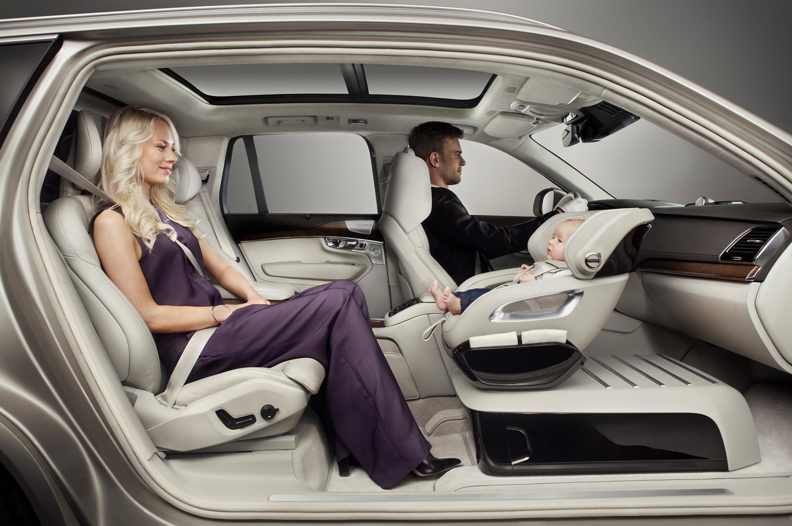 Volvo et son siege-auto premium